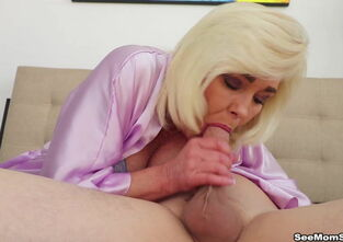 Mom sucking son dick