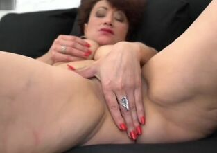 Hairy mother pussy